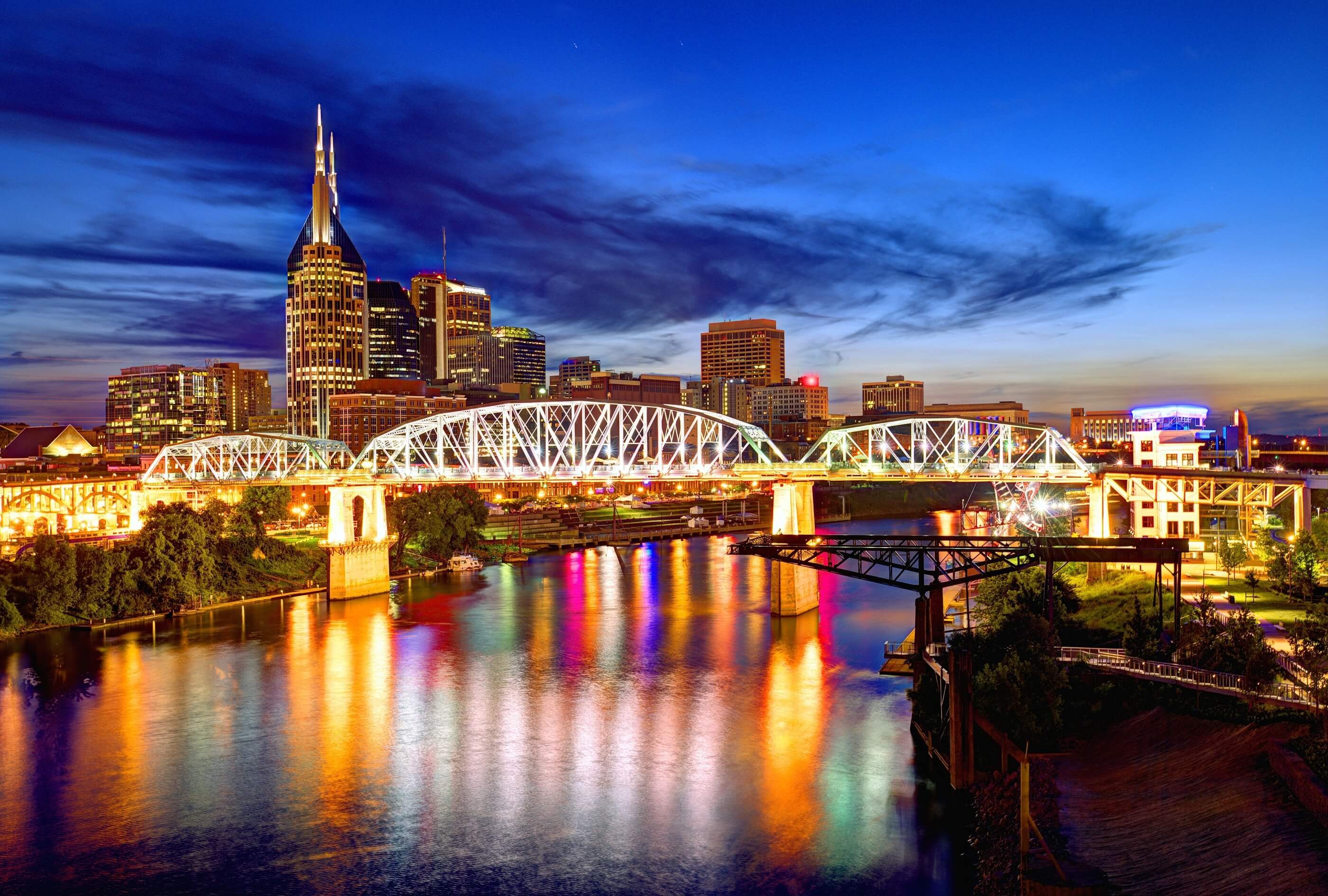 bigstock-Skyline-of-downtown-Nashville-46986169-11